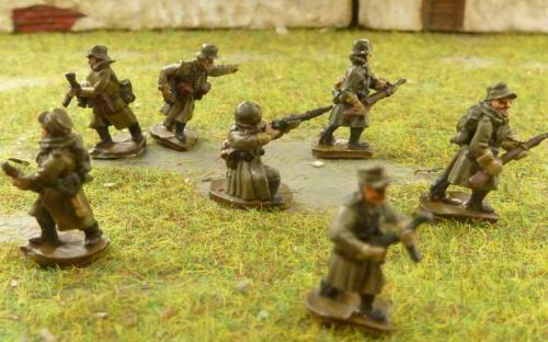 CDGI-12 German infantry in great coats