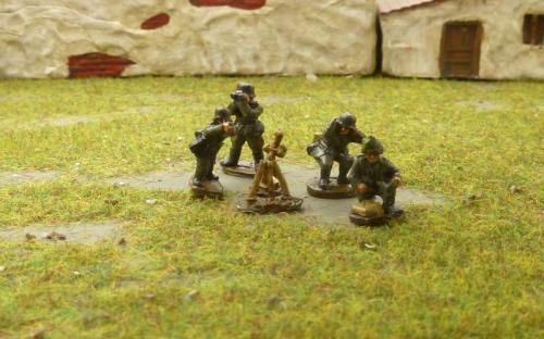 CDGI-7 Heavy mortar team firing