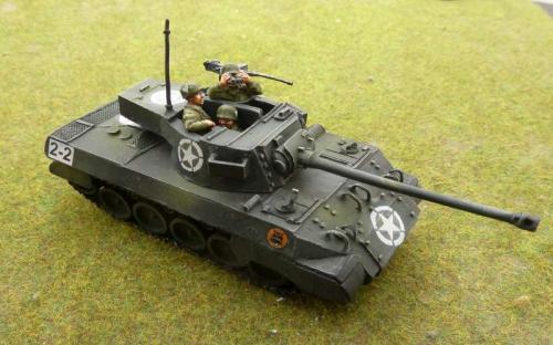 M-18 Hellcat with crew