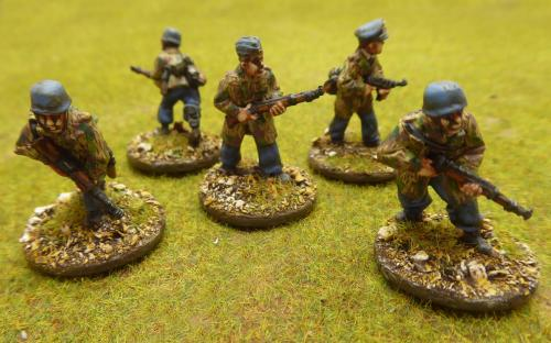 Pro Painted WGB-FJ-01 28mm WW2 German Fallschirmjägers in Splinter Camouflage