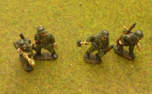 G8 Tank hunters