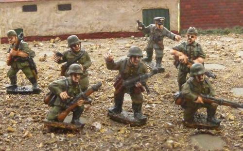 28mm Ready Painted German WW2 figures (Crudader Miniatures castings)