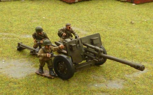 Russian 76mm AT gun and crew