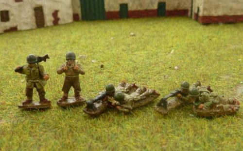 CDAI04 LMG 2 man moving + firing teams