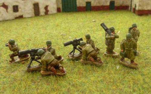 CDAI05 HMG 2+3 man firing 3 man moving teams