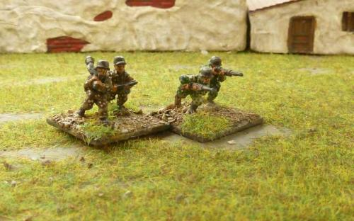 CDGI-08 Waffen SS in Autumn and Summer pea camouflage