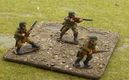 Russian rifle men